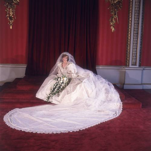 princess diana wedding gown. Catherine Middleton#39;s wedding